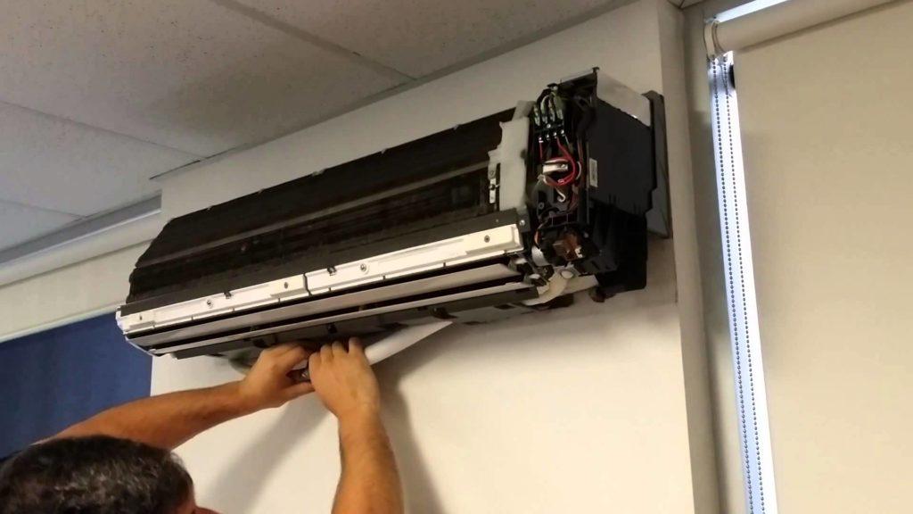 AC repair expert